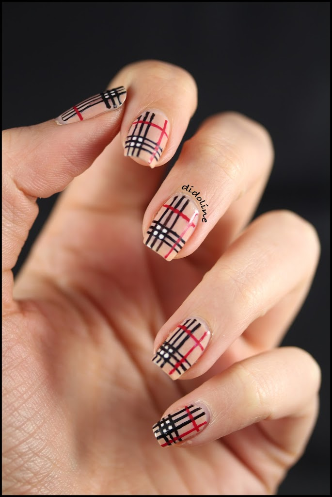 mes ongles fa on burberry burberry nails. Black Bedroom Furniture Sets. Home Design Ideas